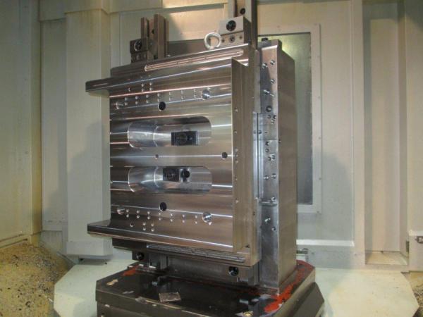 Testata - settore macchine per plastica